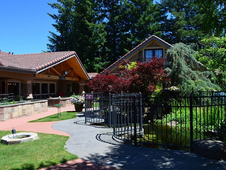 Lush Courtyards With Plantation at Pacifica Senior LIving, Courtyard at Coeur d'Alene, Idaho, 83814