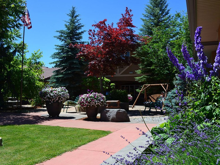 Beautiful Courtyard With Walking Paths at Pacifica Senior LIving, Courtyard at Coeur d'Alene, Coeur d Alene, ID
