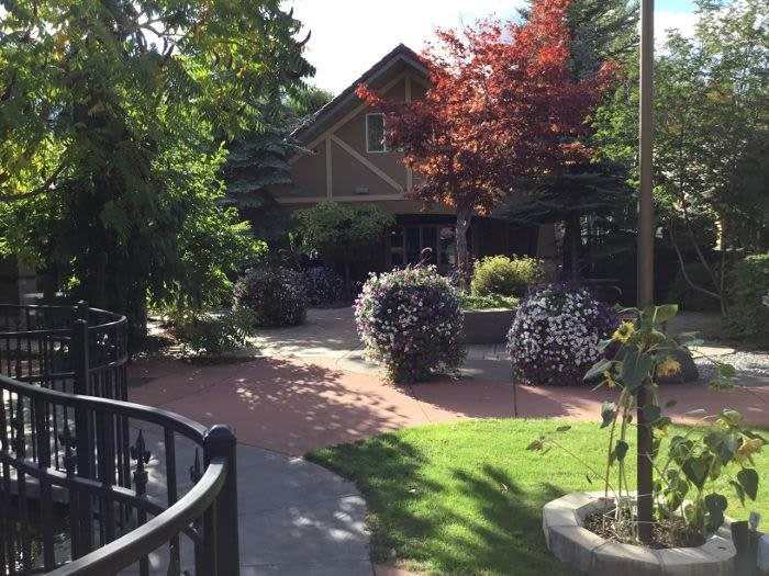 Stroll on walkways with Fall Leaves at Coeur d'Alene offers a spacious outdoors in Coeur d'Alene, Idaho, Pacifica Senior Living