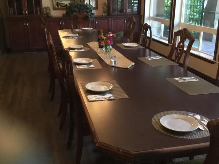 Beautiful dining room at Courtyard at Coeur d'Alene in Coeur d'Alene, Idaho, Pacifica Senior Living