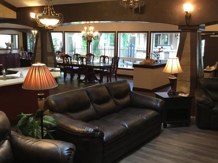 Beautiful living and dining room at Courtyard at Coeur d'Alene in Coeur d'Alene, Idaho, Pacifica Senior Living