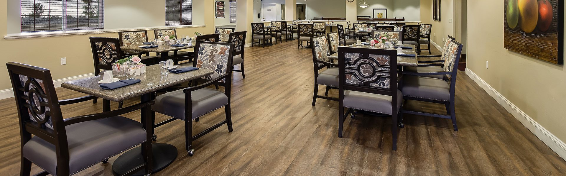 Plaza Lounge at Pacifica Senior Living Country Crest, Oroville, CA, 95966