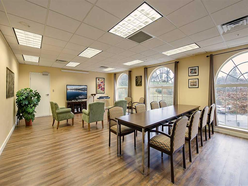 Activity room at Pacifica Senior Living Country Crest