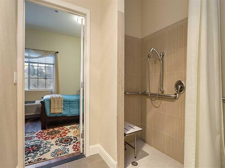 Walk in shower at Pacifica Senior Living Country Crest