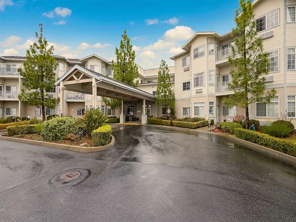 Entrance in Pacifica Senior Living Country Crest