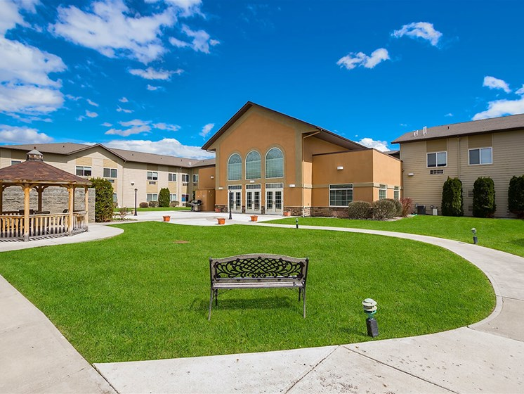 Magnificent Outdoor area to enjoy weather at Pacifica Senior Living Ellensburg, Ellensburg, WA