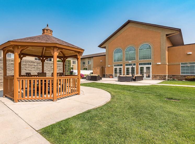 Amazing Outdoor Spaces at Pacifica Senior Living Ellensburg, Ellensburg, 98926