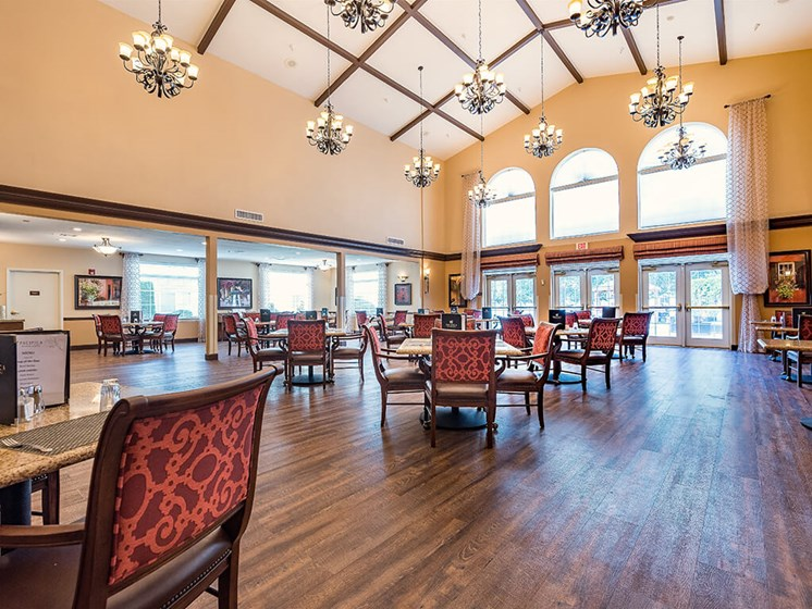 Contemporary Dining Room at Pacifica Senior Living Ellensburg, Ellensburg, 98926