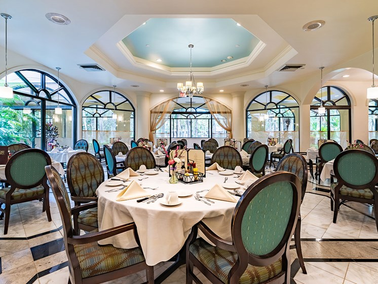 Dining Rooms at Pacifica Senior Living Forest Trace, Lauderhill, FL
