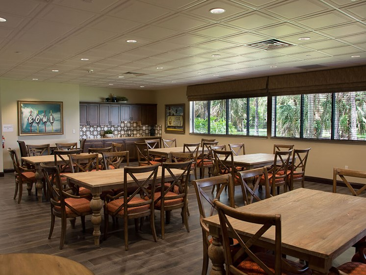 Modern Dining area at Pacifica Senior Living Forest Trace in Lauderhill, Florida