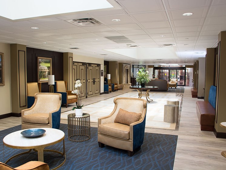 Meet with family and friends in our common room at Pacifica Senior Living Forest Trace in Ft. Lauderdale, Florida