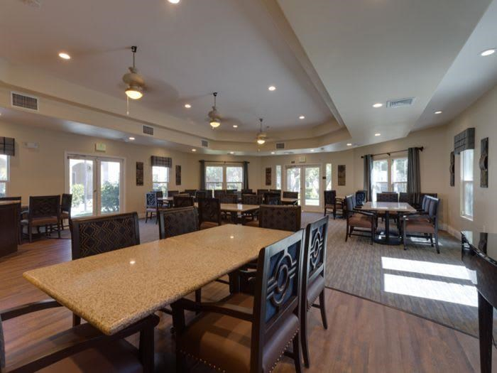 Dining room at Pacifica Senior Living Green Valley