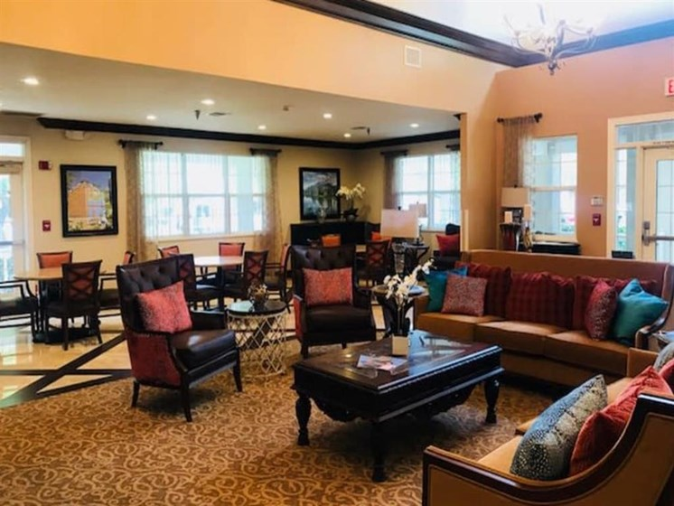 Pacifica Senior Living Hemet offers a modern dining room in Hemet, California