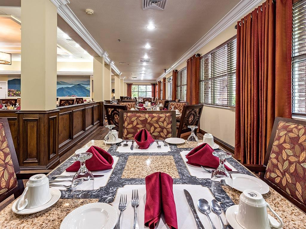 Delicious Meals in Memory Care at Pacifica Senior Living Heritage Hills in Hendersonville, North Carolina