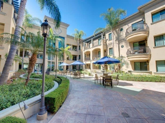 Courtyard Exterior at Pacifica Senior Living Hillsborough in Chino