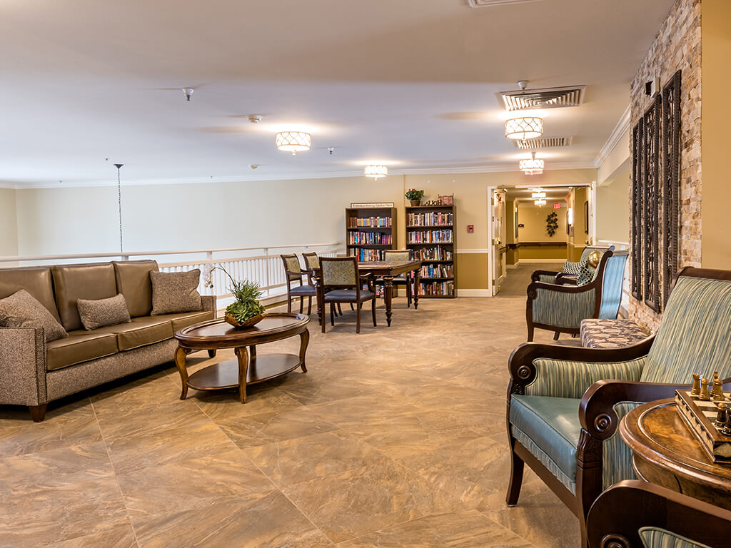 Upstairs Lounge Area for Making Friends at Pacifica Senior Living Klamath Falls, Klamath Falls