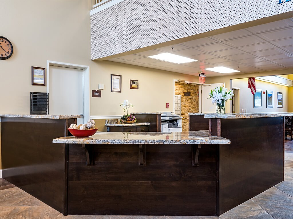 Welcoming Front Desk Reception Area at Pacifica Senior Living Klamath Falls in Klamath Falls, Oregon
