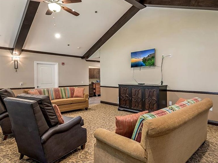 Ceiling Fan and Sofa in Living Room at Pacifica Senior Living Lynnwood, Lynnwood, 98037