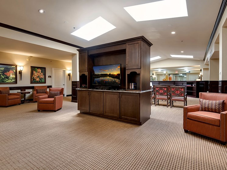 Enjoy time with friends in community areas at Pacifica Senior Living Ocala