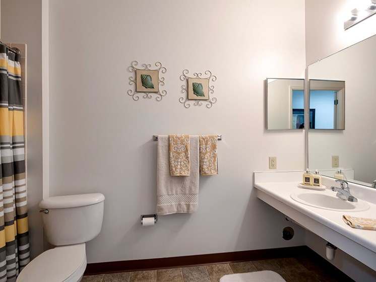Spacious Bathrooms at Pacifica Senior Living Ocala