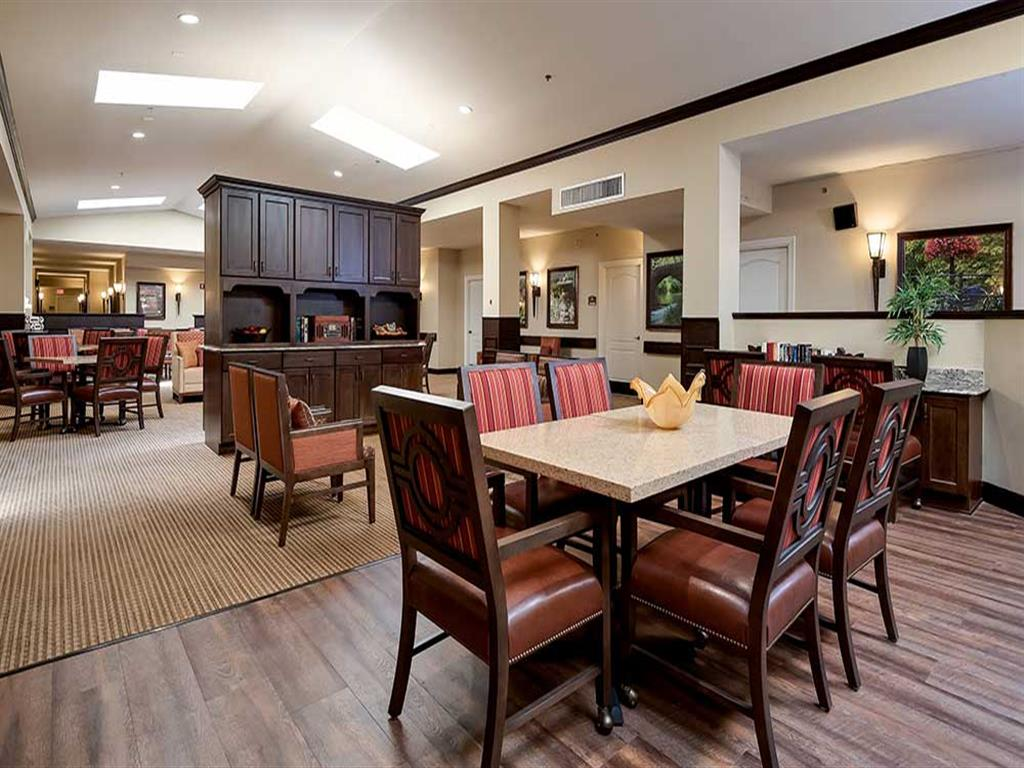 Community area include weekly live entertainment at Pacifica Senior Living Ocala