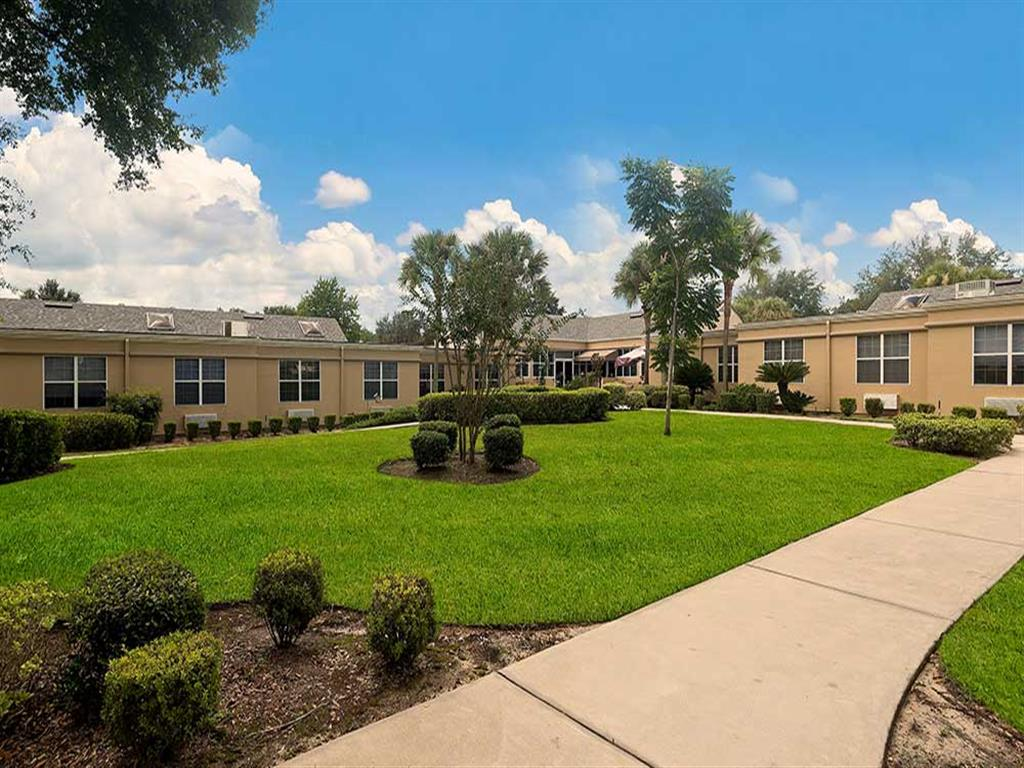 Dignity and Respect at Pacifica Senior Living Ocala