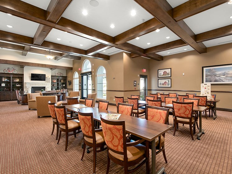 Join Friends in the Dining Room  Pacifica Senior Living Oceanside offers a luxury living room in Oceanside, Californiafor Community Meals