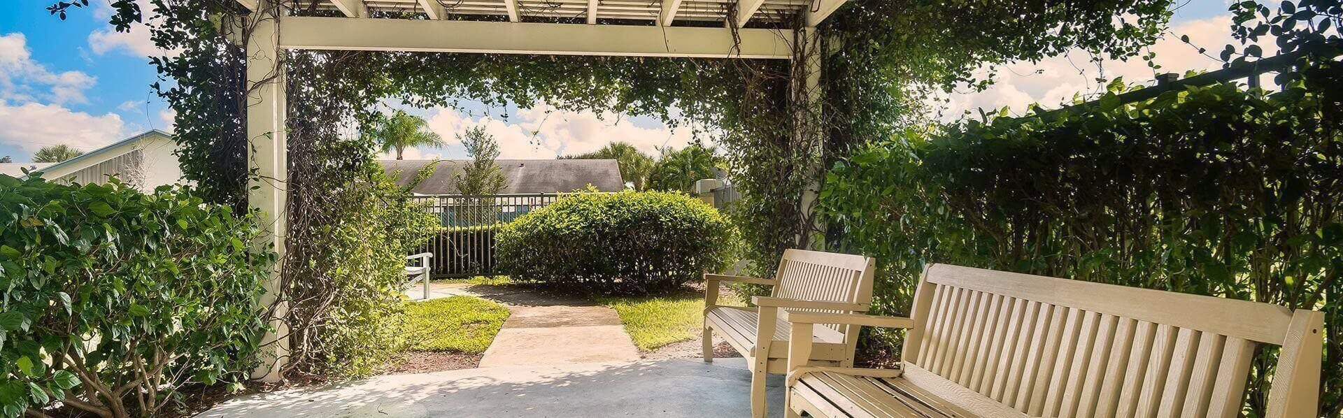 Beautiful Courtyard Sitting Area at Pacifica Senior Living Palm Beach, Greenacres, 33467