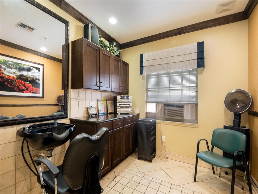 On-site salon at Pacifica Senior Living Palm Beach in Greenacres, Florida