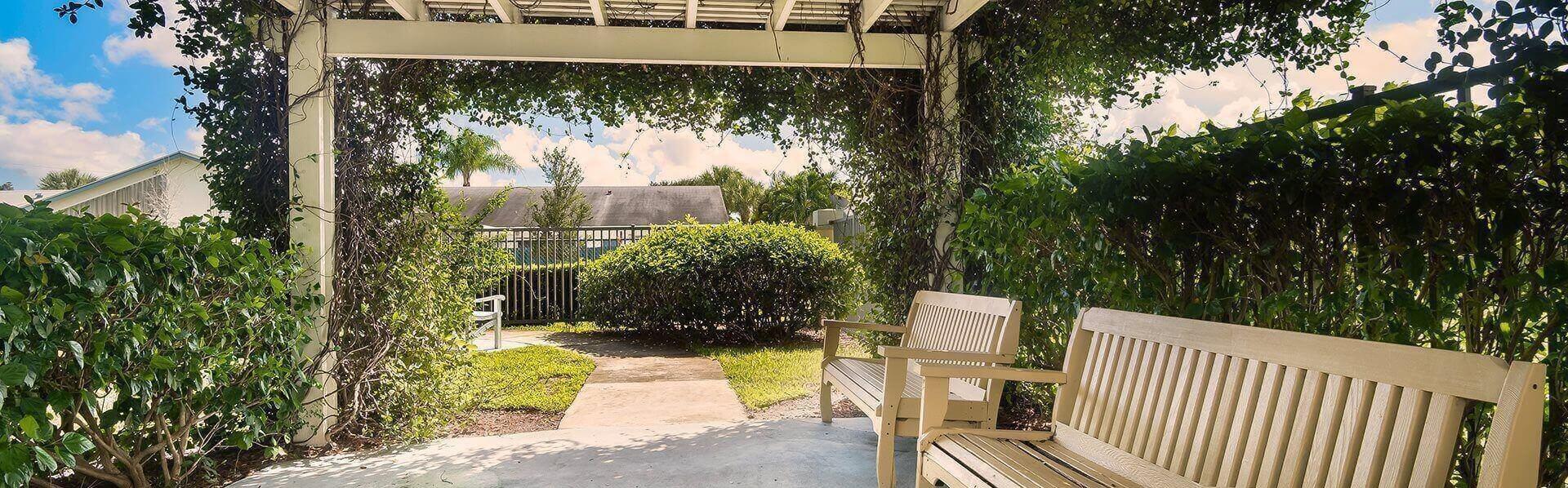 Beautiful Courtyard Sitting Area at Pacifica Senior Living Palm Beach, Greenacres, 33467