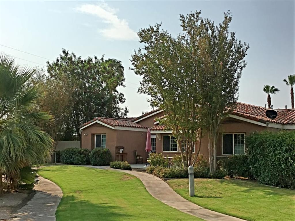 Safe Walking Paths In Courtyard at Pacifica Senior Living Palm Springs, Palm Springs, 92262