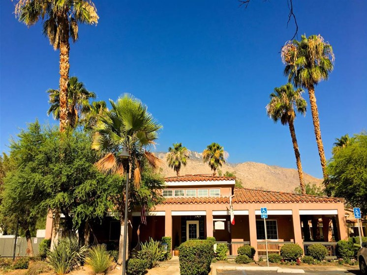 Front view of building at Pacifica Senior Living Palm Springs in Palm Springs, California