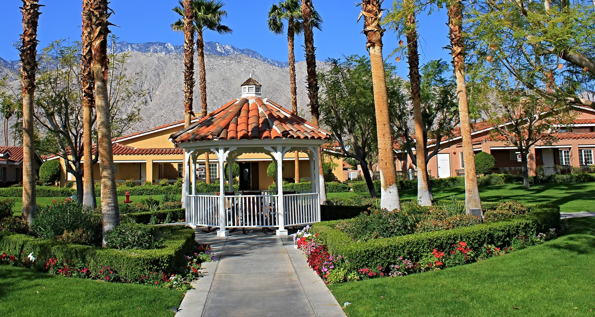 Landscaped Grounds at Pacifica Senior Living Palm Springs, Palm Springs, California