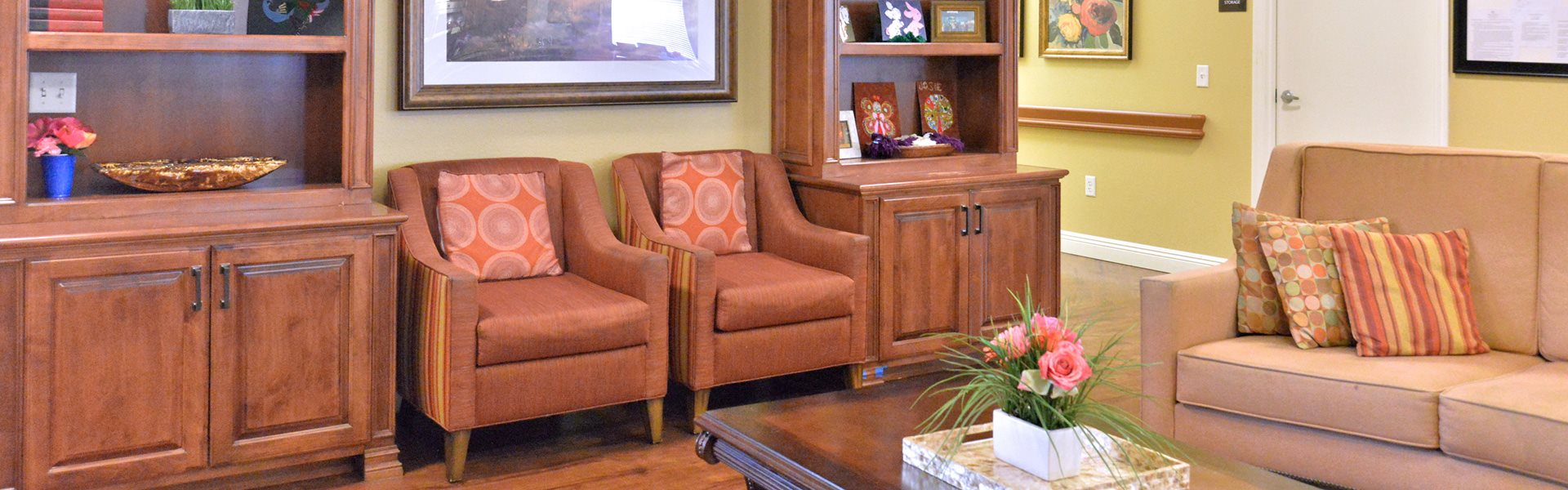 Assistance with activities of daily living at Pacifica Senior Living Paradise Valley, Paradise Valley