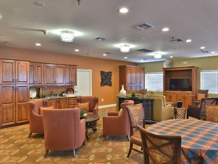 Community dining hall at Pacifica Senior Living Paradise Valley in Phoenix