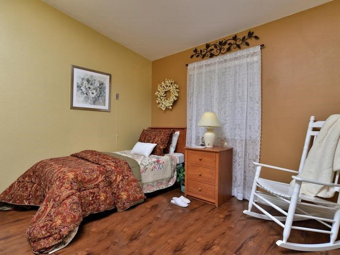 Well-appointed Bedroom at Pacifica Senior Living Paradise Valley in Phoenix