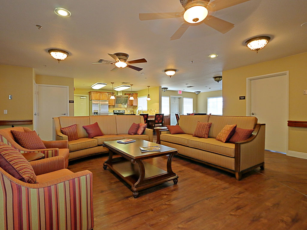 Community Kitchen and Lounge at Pacifica Senior Living Peoria, Arizona, 85382