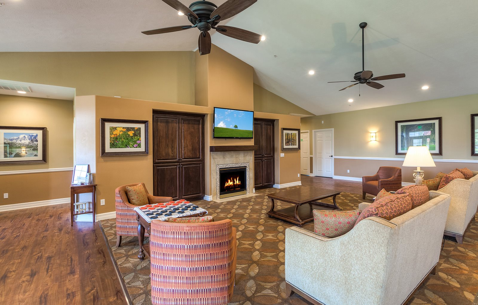 Residents' Lounge at Pacifica Senior Living Pinehurst, Silver Valley, ID