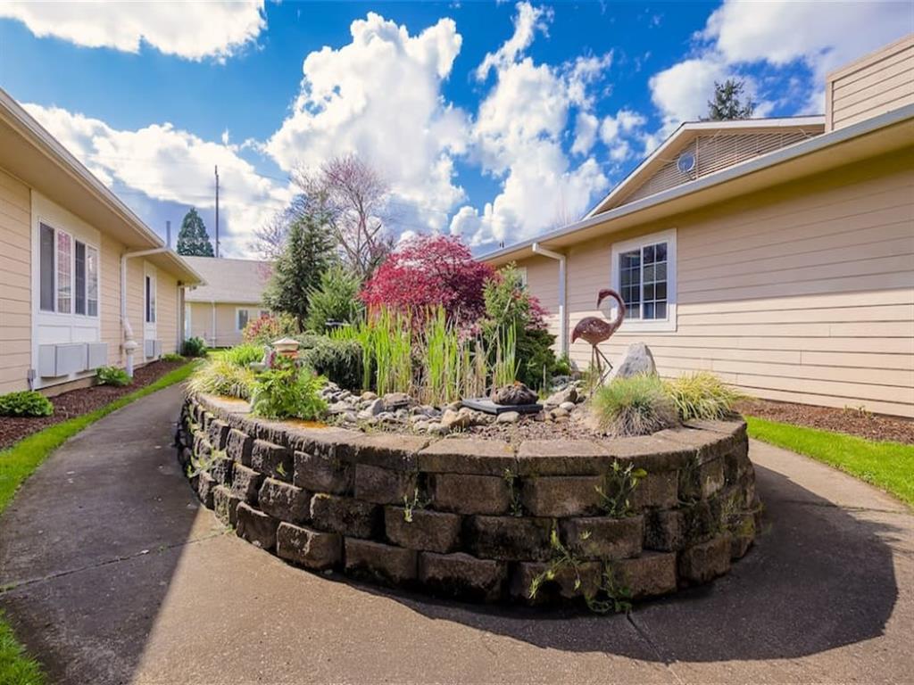 Exquisite Exterior Designs at Pacifica Senior Living Portland, Oregon