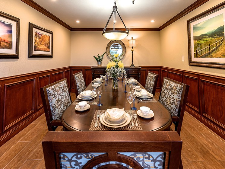 Enjoy healthy dining at Pacifica Senior Living San Leandro in San Leandro, California