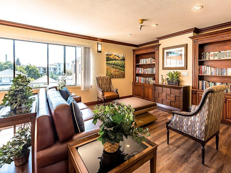 Ample sitting in lobby area,at Pacifica Senior Living San Leandro, San Leandro, CA 94577