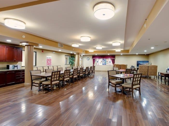 Freshly prepared meals in dining hall at Pacifica Senior Living Santa Clarita in California