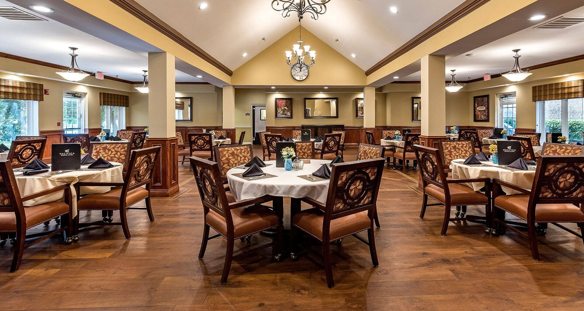 Restaurant Style Dining Room at Pacifica Senior Living Skylyn, Spartanburg
