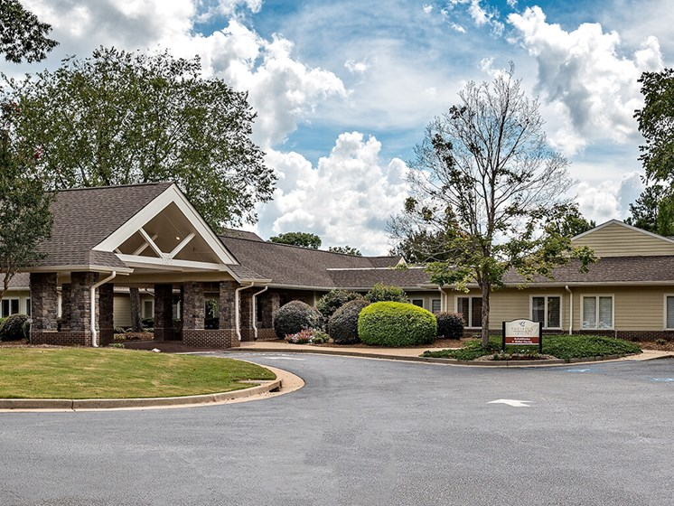 Luxury Senior Apartment Community at Pacifica Senior Living Skylyn, Spartanburg, SC, 29307