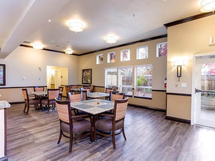 A beautiful place to dine at Pacifica Senior Living Snohomish in Snohomish, Washington