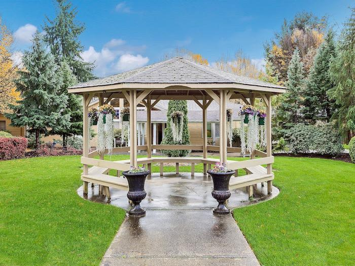 country club community at Pacifica Senior Living Snohomish in Snohomish, Washington