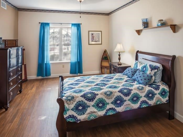 Our senior living facility in Las Vegas, Nevada offers a bedroom