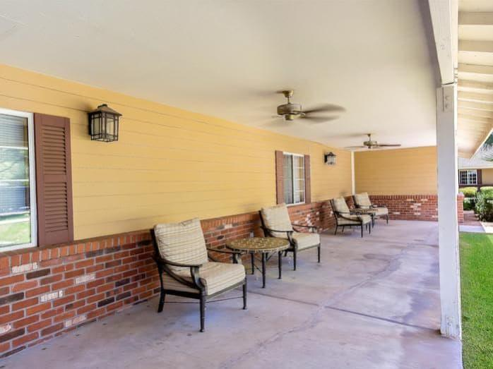 Relaxing Patio Seating at Pacifica Senior Living Tucson