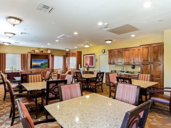 Pacifica Senior Living Tucson offers healthy meals and snacks in dining area