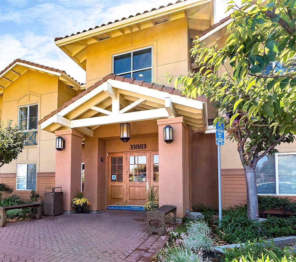 Apartment Community: Senior Living Near Fremont, CA